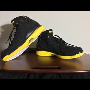 NEW! Nike Air Zoom Huarache 2k4 Basketball Shoes!